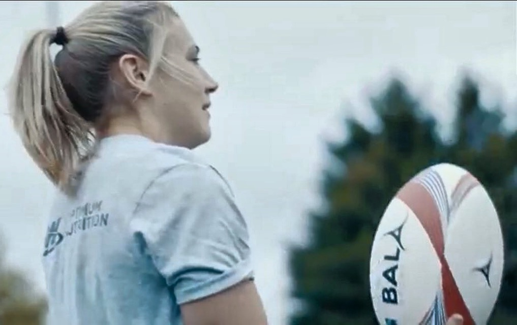 Rugby Anna Stodter with Bala Ball 2