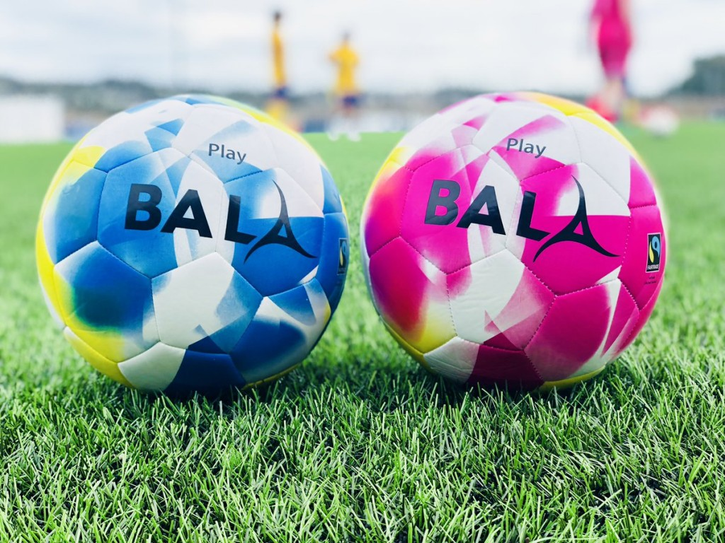 Lancing Ladies FC train with Fairtrade Bala Sport balls