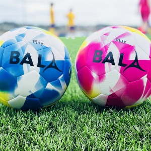 Lancing Ladies FC train with Fairtrade Bala Sport balls